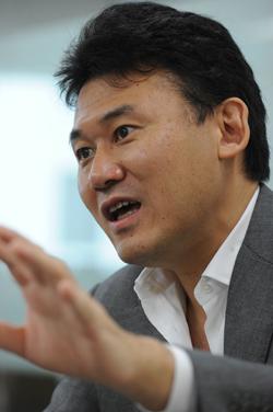 楽天の三木谷氏が楽天EXPOで講演 インターネットサービスを時代ごとに説明